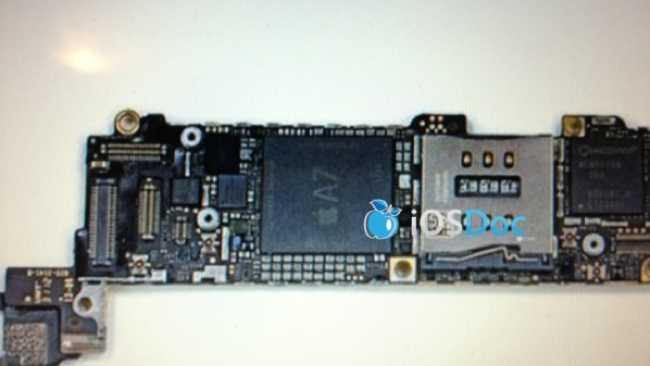 صورة مسربة لهاتف آبل القادم آيفون 5S توضح أنه سيعمل بمعالج رباعي النواة