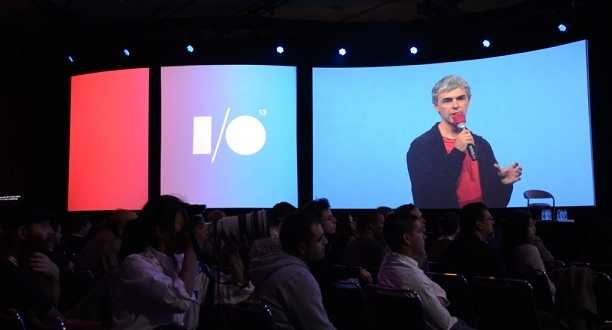 صورة لاري بيج في مؤتمر جوجل i/o 2013