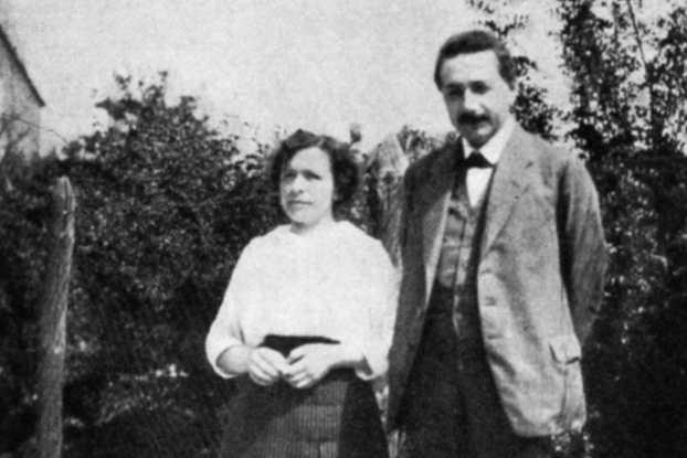 أينشتاين مع زوجته الأولى ميليفا ماريك