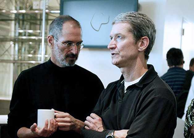 رئيس شركة آبل: فخور كوني مثلي جنسياً | تيم كوك مع ستيف جوبز