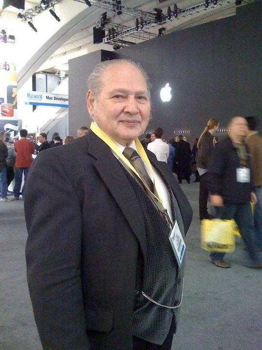 رونالد واين المؤسس الثالث لشركة أبل