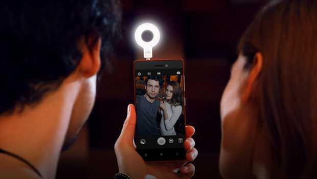 لينوفو تعلن عن Vibe Xtension Selfie Flash لصور سيلفي أفضل