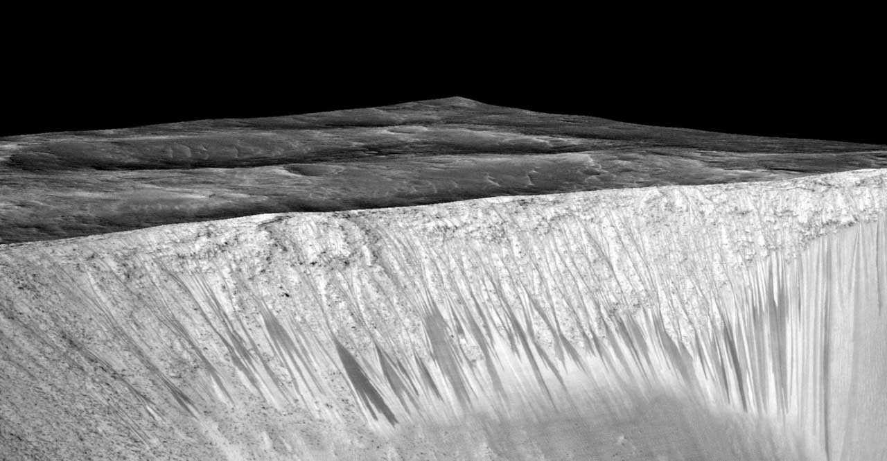 ناسا تكشف عن وجود ماء سائل على المريخ Mars