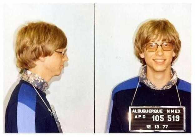 تم اعتقال بيل جيتس في عام ١٩٧٧