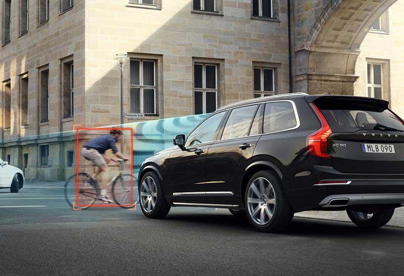 Volvo-XC90-City-Safety-