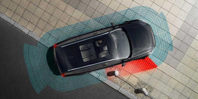 أوبر تبدأ في استخدام سيارات ذاتية القيادة لتوصيل الركاب