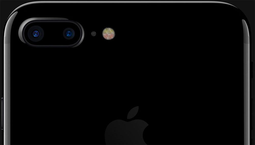 يحمل iPhone 7 Plus كاميرتين خلفيتين