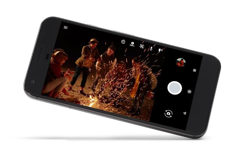 Google Pixel XL باللون الأسود