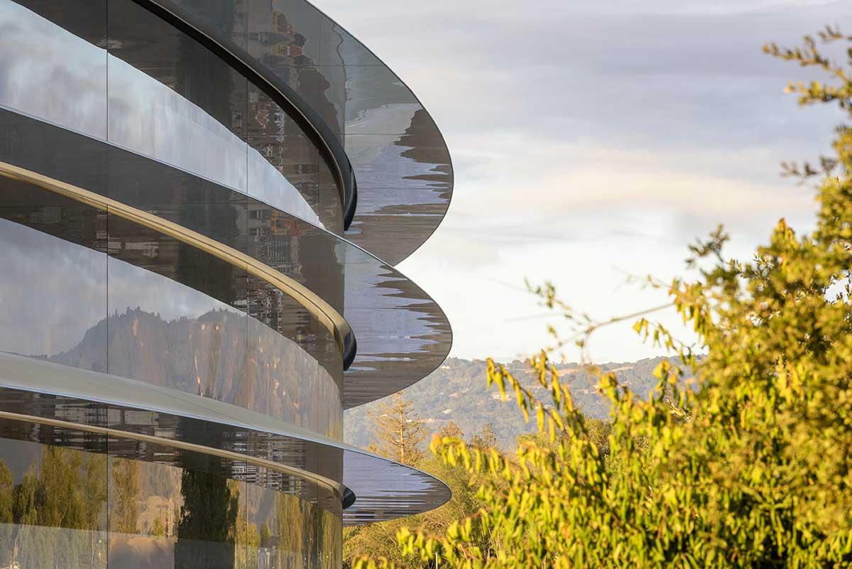 يمثل مقر آبل الجديد apple park تصور ستيف جوبز لبيئة عمل إبداعية