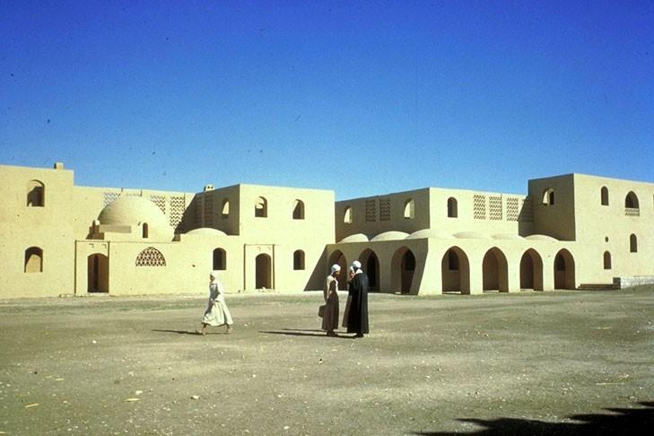 قرية القرنة - حسن فتحي