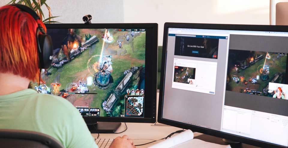 فيس بوك تتيح البث المباشر للفيديو من خلال أجهزة الكمبيوتر - صدى التقنية