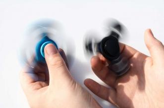 """ما هي لعبة """"Fidget Spinner""""؟ وما سعرها؟ وكيف تشتريها؟"""