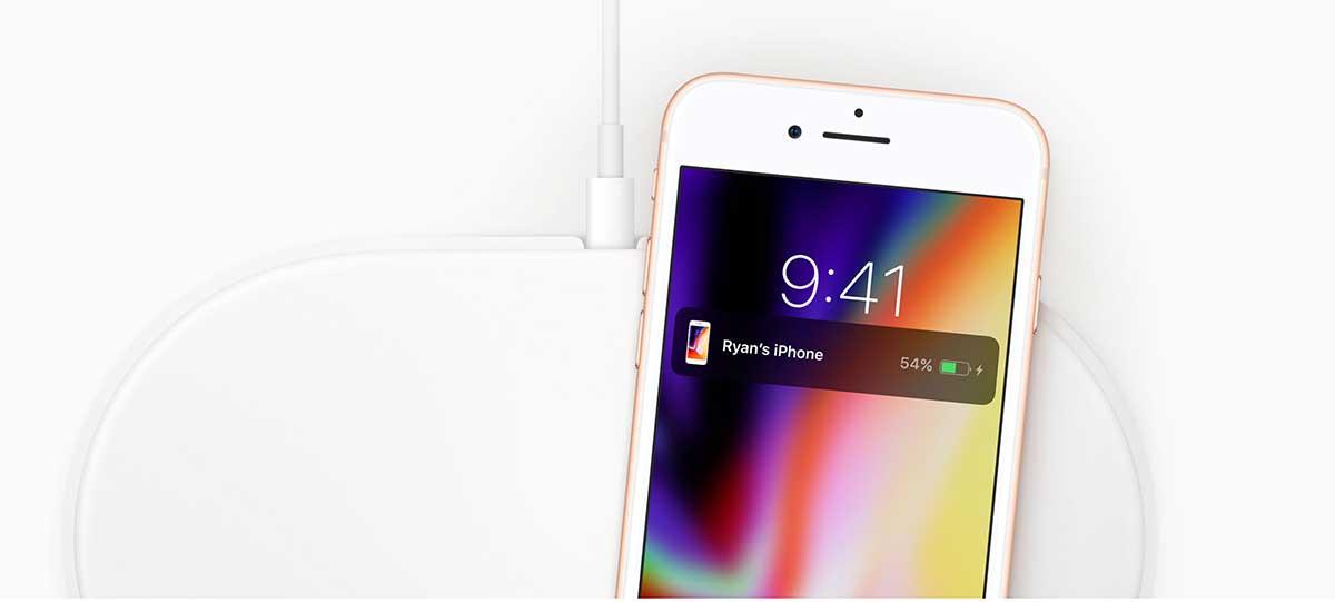 يدعم iPhone 8 ايفون 8 ميزة الشحن اللاسلكي