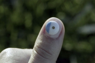 L'Oreal UV Sense: ملصق للأظافر يستشعر شدة الأشعة فوق البنفسجية