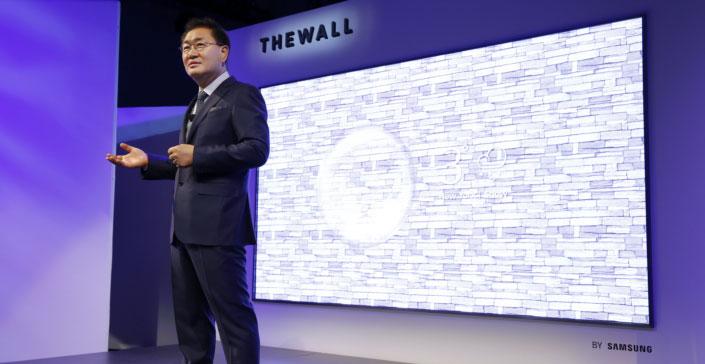 """""""The Wall"""": تلفزيون جديد من سامسونج بشاشة 146بوصة"""