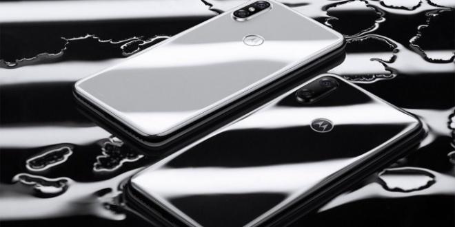 Motorola P30: المواصفات والمميزات والسعر