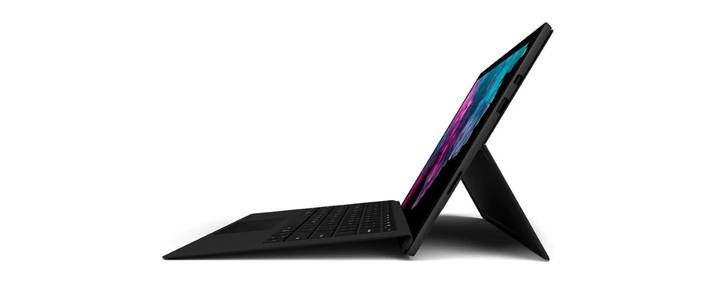 يحتفظ Surface Pro 6 سيرفس برو 6 بنفس التصميم الخارجي للإصدار السابق