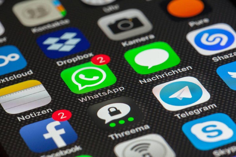 كيفية تأمين رسائل واتساب ببصمة الأصابع أو الوجه في ايفون