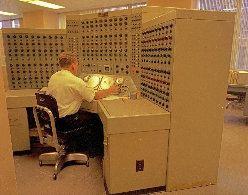 الكمبيوترات بدون شاشات صدى التقنية