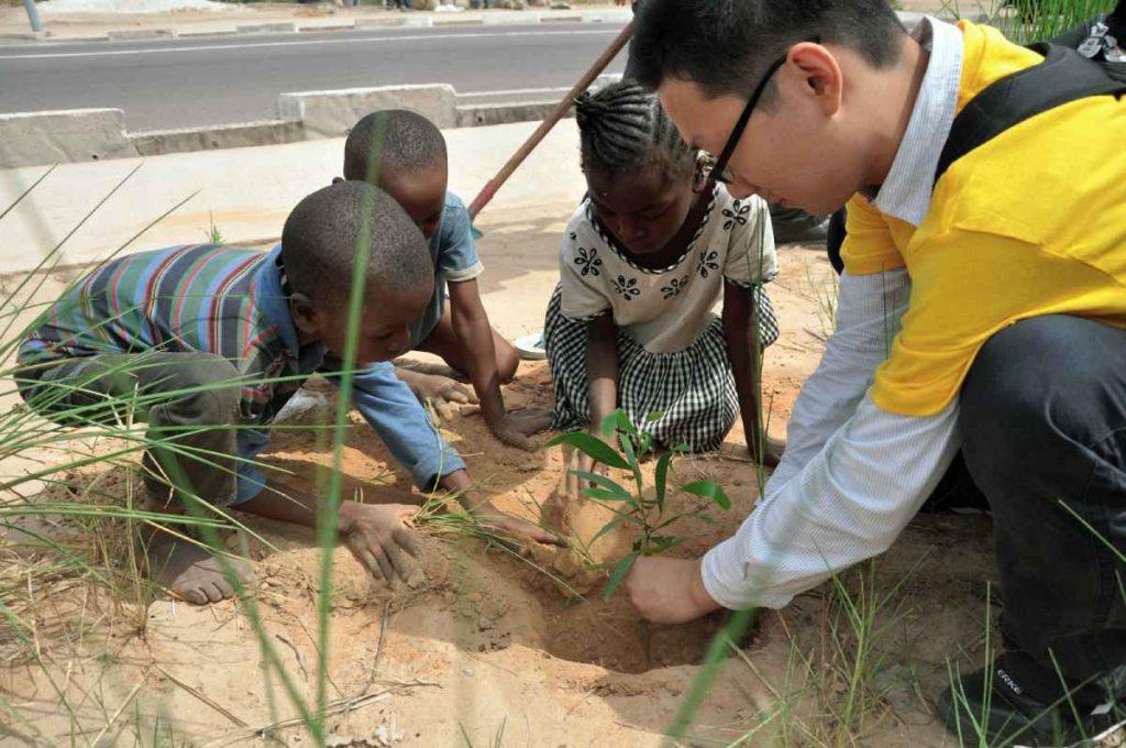 شركة هواوي الصينية تتعاون مع حكومات الدول الإفريقية للتجسس