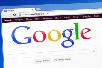 جوجل Chrome يقدم للمكفوفين وصفا للصور اعتمادا على تقنيات الذكاء الصناعي