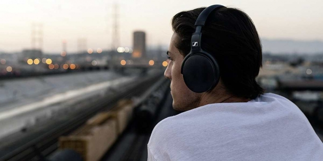أفضل سماعات الرأس اللاسلكية المتوفرة الآن للشراء
