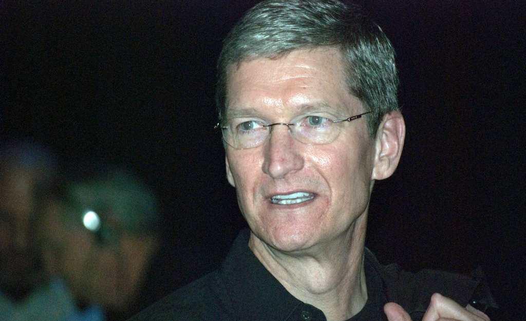الرئيس التنفيذي لشركة apple تيم كوك