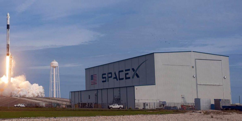 شركة سبيس إكس SpaceX تصنع معقم يد ودروع للوجه