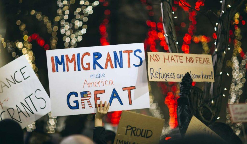 ما قالته شركات التقنية الأمريكية الكبرى تعليقا على قيود الهجرة الجديدة