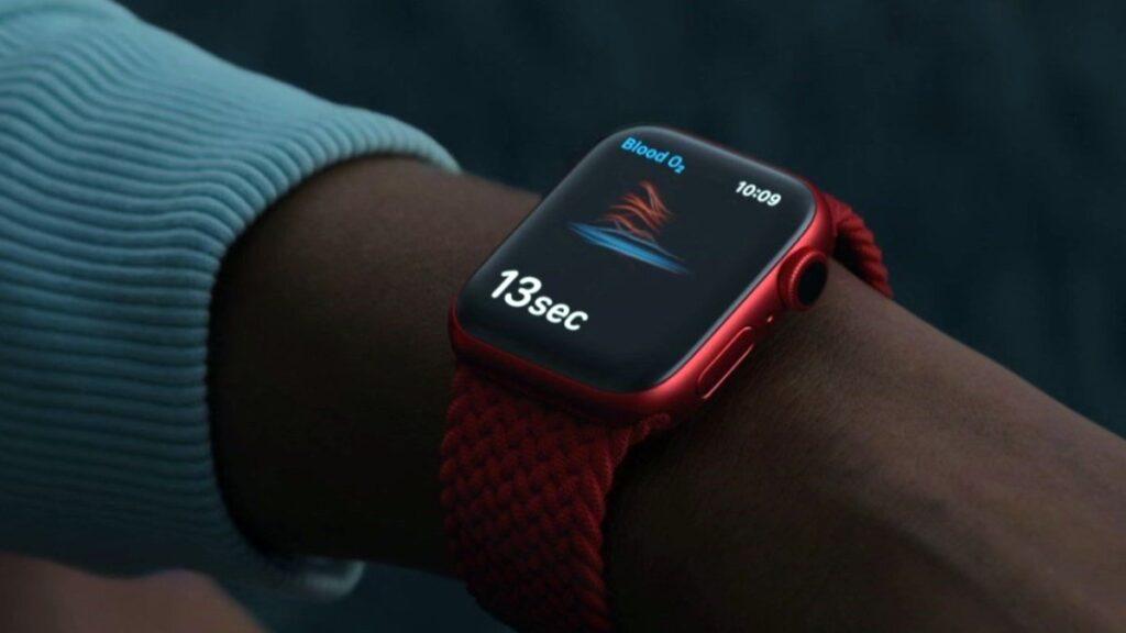 مميزات ساعة Apple Watch Series 6 الذكية