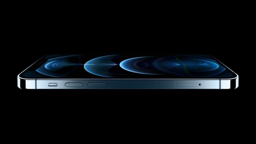 يوفر iPhone 12 Pro Max دعم شبكات الجيل الخامس 5G