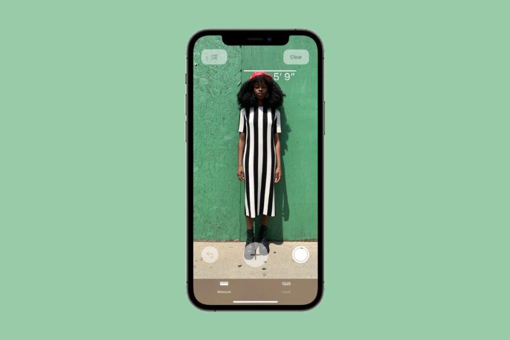 كيف تقيس طول الأشخاص باستخدام ايفون 12 برو