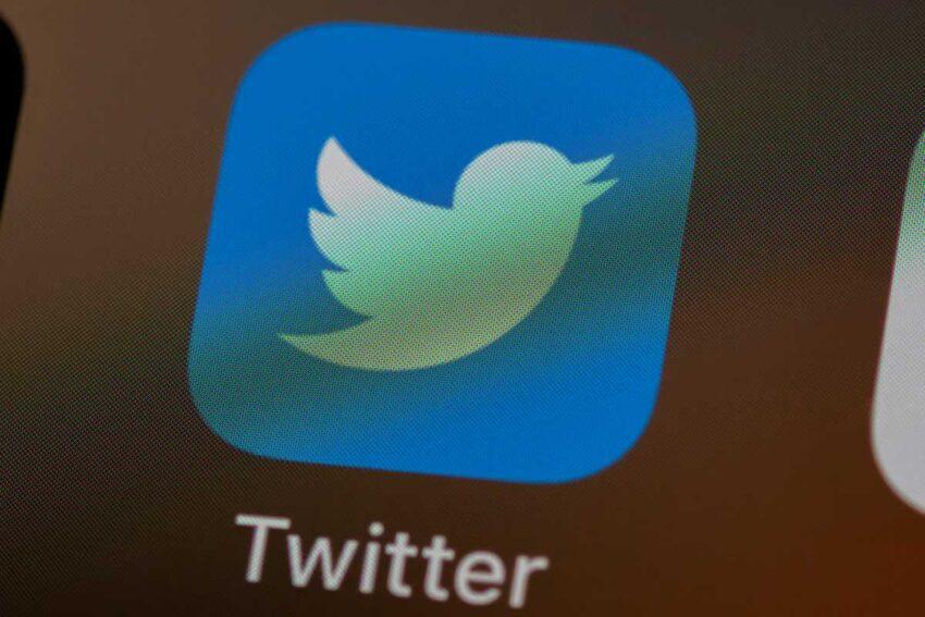تويتر توقف حساب ستيف بانون مستشار ترامب السابق بعد التحريض على العنف