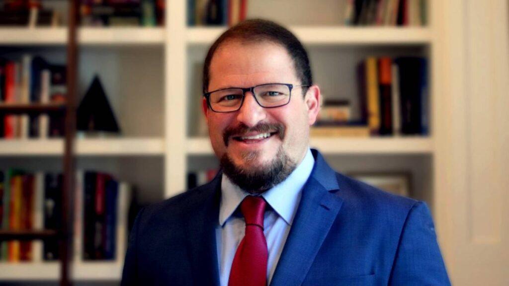 من هو كريستيانو آمون Cristiano Amon