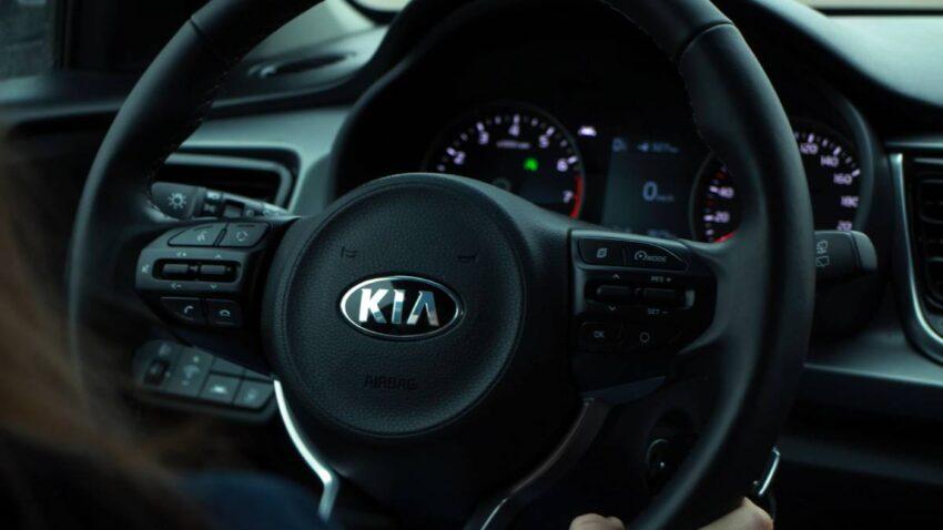 كيا موتورز Kia Motors بعد اقتراب التعاون لتصنيع سيارة آبل
