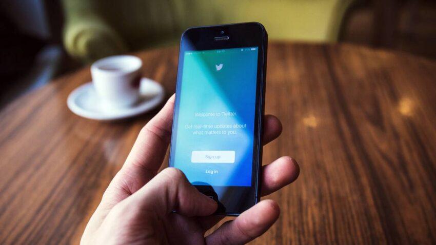 تويتر تكشف خططا جديدة لتنويع الدخل من بينها الاشتراك بمقابل