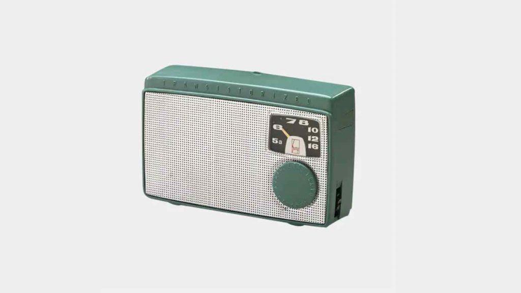 أطلقت سوني Sony أول راديو ترانزستور ياباني