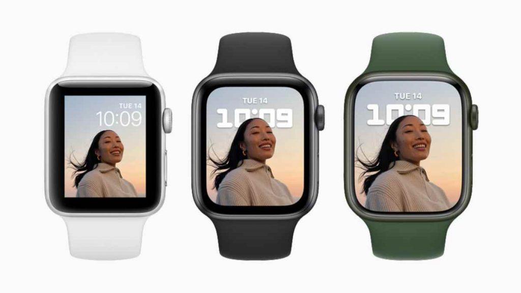 تأتي شاشة ساعة ابل ووتش سيرس 7 الذكية الجديدة Apple Watch Series 7 أكبر